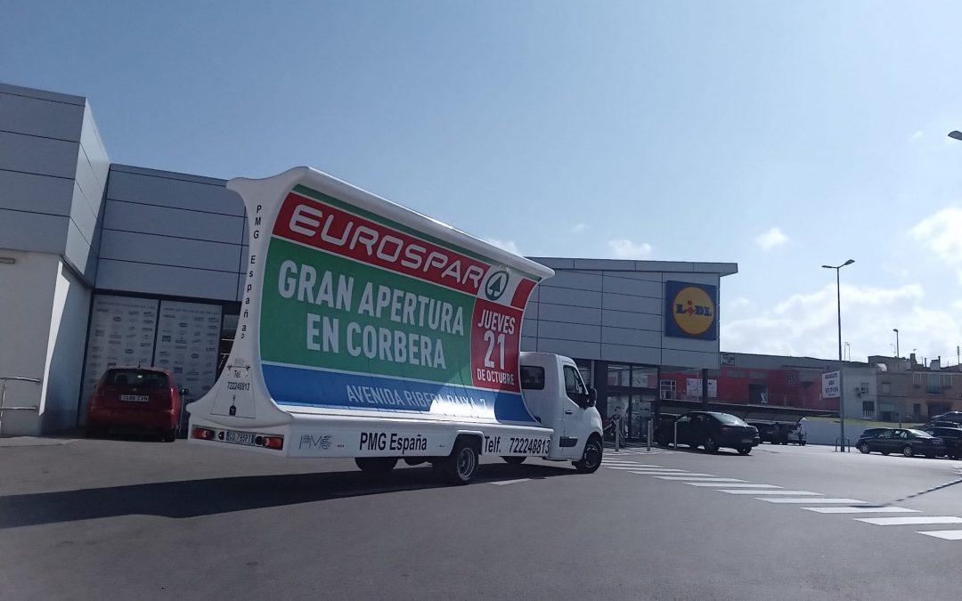 Camión publicitario de alto impacto comunica nueva apertura de supermercado en Valencia